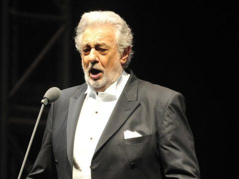 Szexuális zaklatással vádolják Plácido Domingót – koncertjét már törölte is az opera