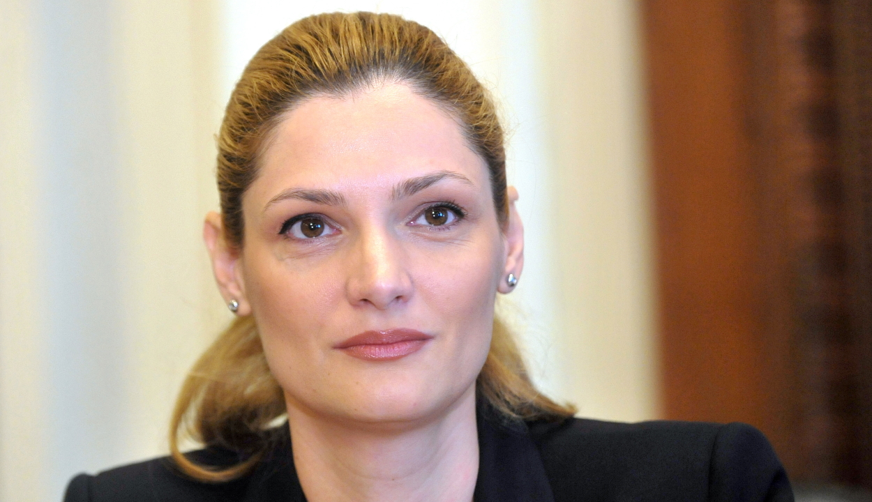 Kilépett az ALDE-ből Ramona Mănescu külügyminiszter