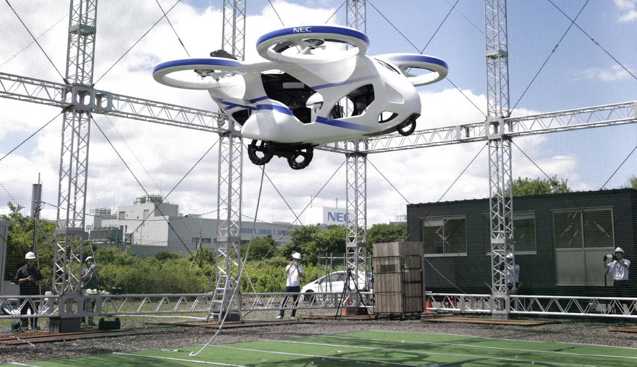 """Elektromos """"repülő autót"""" mutattak be Japánban"""