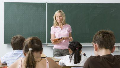 Ezentúl kiértékelhetik tanáraik munkáját a diákok