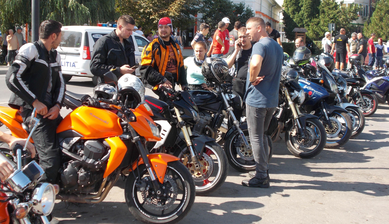Motorostalálkozó Kovásznán