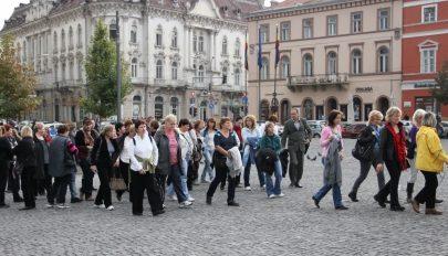 Több mint kétezer lejt költöttek fejenként a turisták Romániában