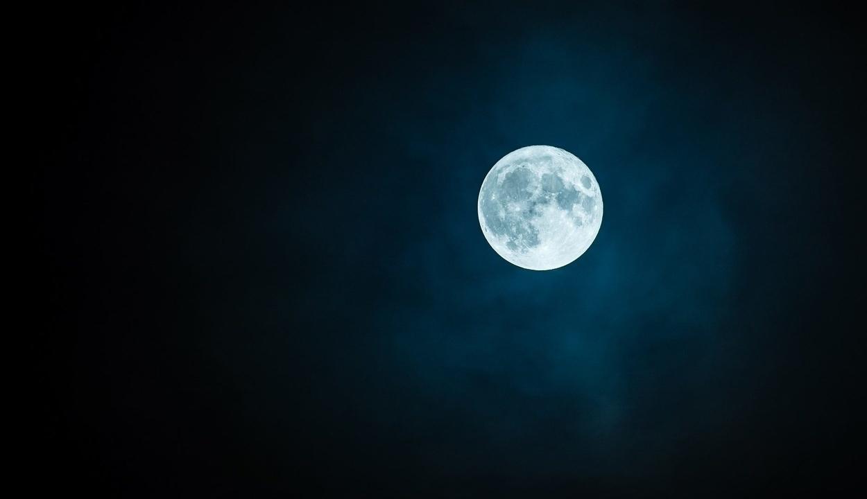 Öt év múlva landolhat ember a Holdon