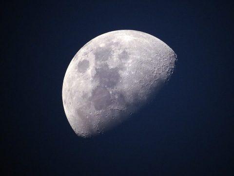 Hamarosan egy nő is a Holdra léphet
