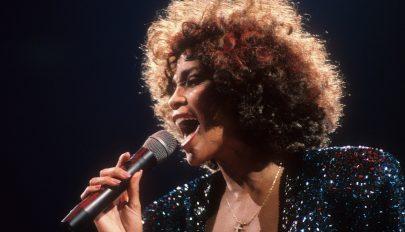 Hologrammal idézik meg Whitney Houstont