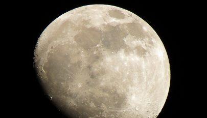 Új anyagot találtak a Hold túlsó oldalán
