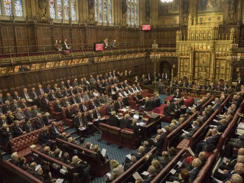 Brexit: módosításokkal hagyta jóvá a londoni parlament felsőháza a törvénytervezetét