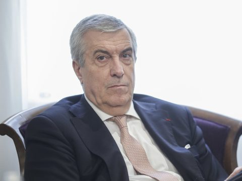 Kizárták az ALDE-ből a miniszteri tisztségeket vállaló személyeket