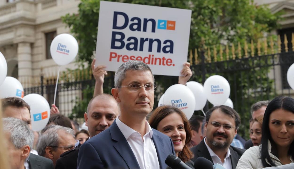 Adómentes minimálbért és autópályákat ígér megválasztása esetén Dan Barna