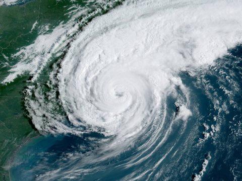 Elérte Kanadát a Dorian hurrikán, százezrek maradtak áram nélkül