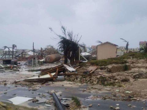 Már öt halálos áldozata van a Florida felé tartó Dorian hurrikánnak