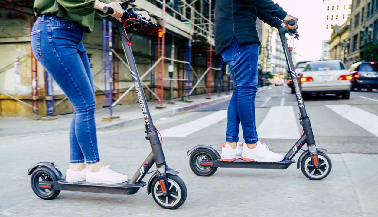 Az elektromos rollerek használatát szabályozó rendeletet hozott a kormány