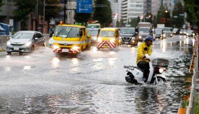 Tájfun csapott le Tokió környékére, milliók maradtak áram nélkül