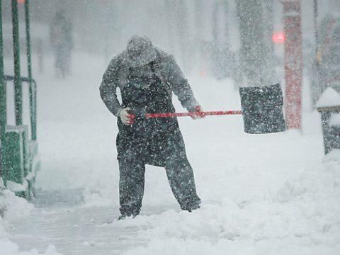 Sárga riasztást adtak ki 19 megye hegyvidéki térségére a várható hóviharok miatt