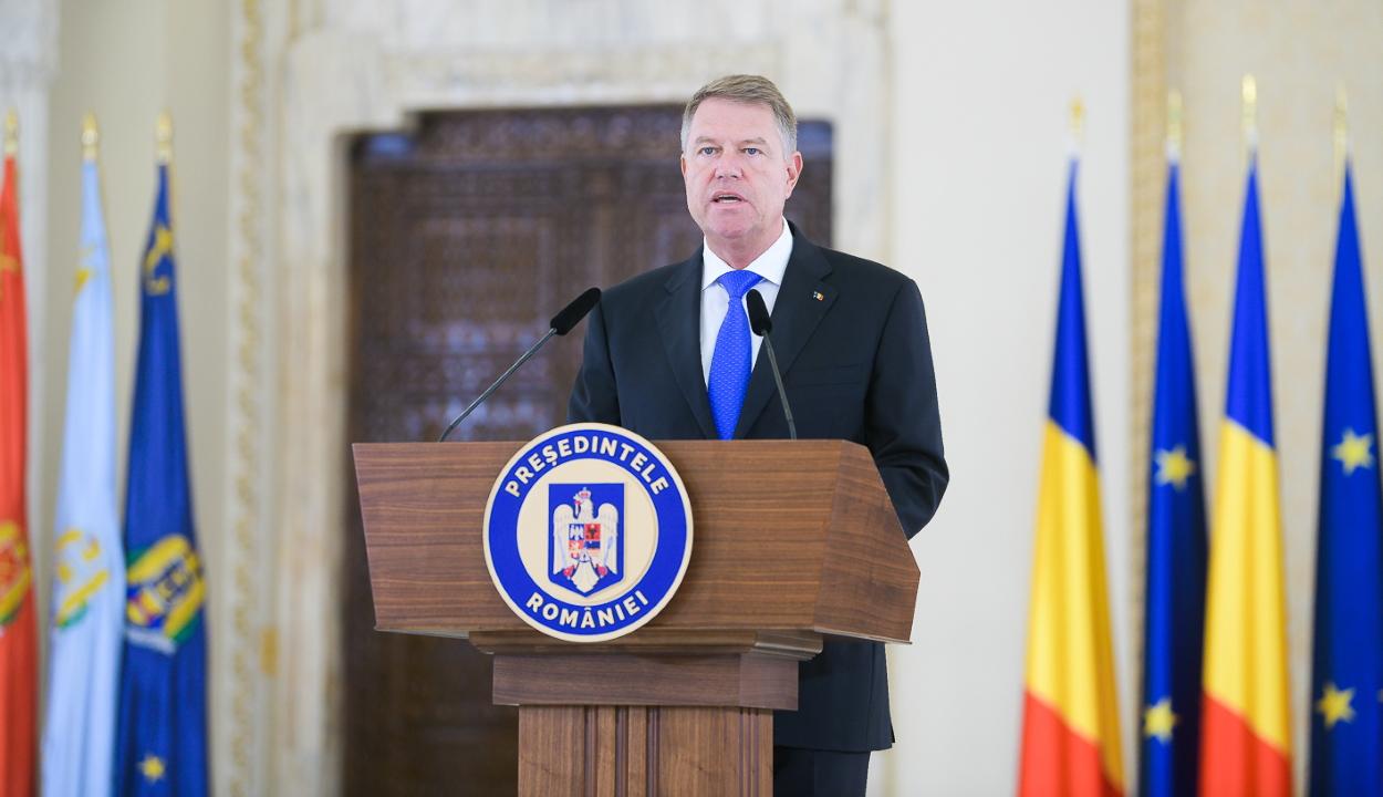 Visszavonja az államfő a büntetőperben elítélt személyek állami kitüntetését