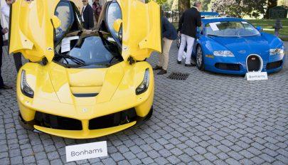 Elkobzott luxusautó-gyűjteményt árvereztek el Svájcban