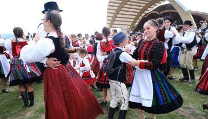 Negyvenöt erdélyi hivatásos néptáncos képzését kezdi meg a Magyar Táncművészeti Egyetem