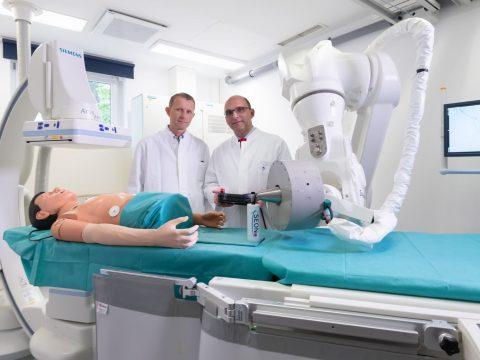Kéttonnás robotot vetnek be a rákos sejtek ellen