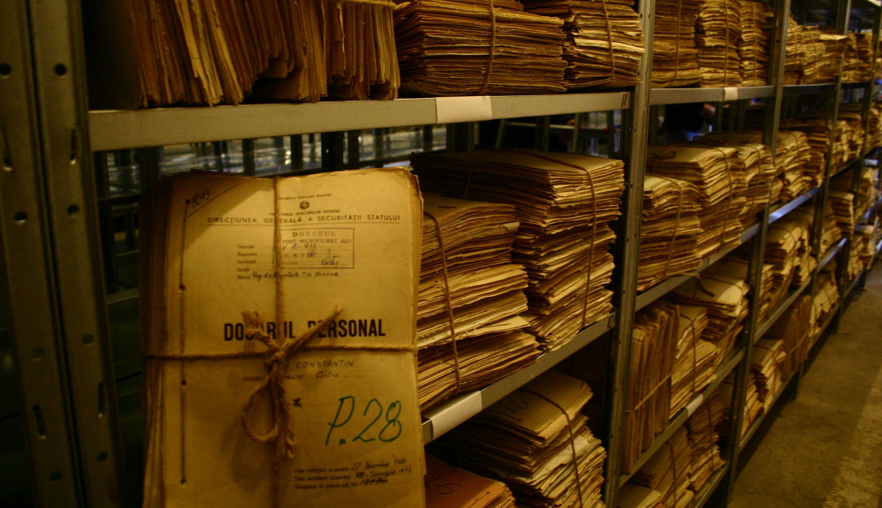 A Szekuritáté több százezer archív dokumentumát adja át a SRI a CNSAS-nak