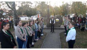 Csősz Csongor diák mondott verset Kovásznán
