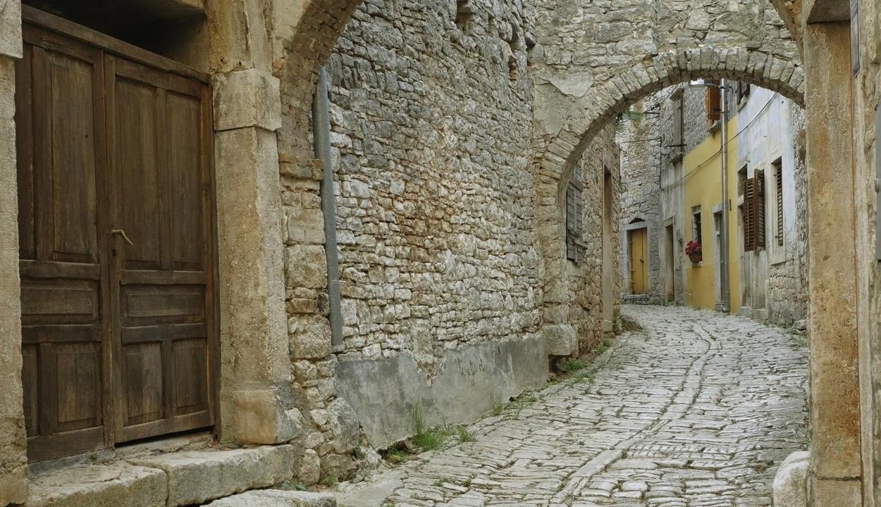 2000 éves utcarészletet tártak fel Jeruzsálemben