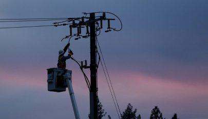 800 ezer fogyasztónál állítják le az áramszolgáltatást a bozóttüzek elkerülése érdekében Kaliforniában