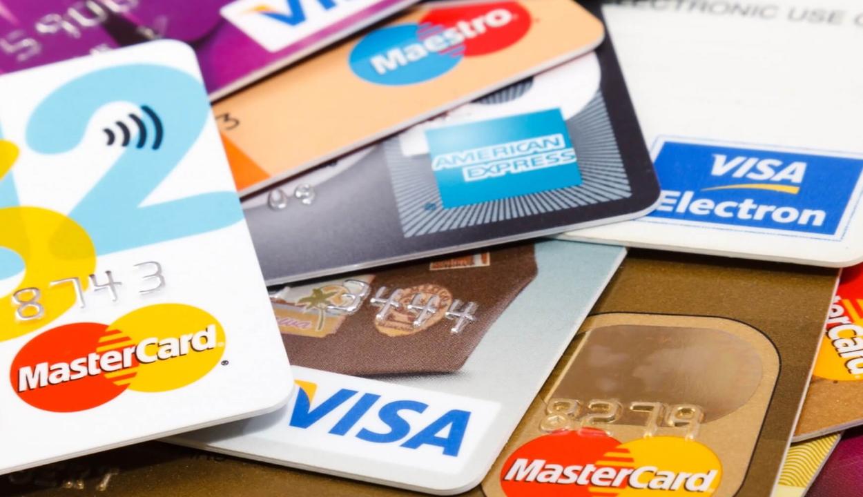 Több mint 18 millió bankkártyát adtak ki Romániában március végéig