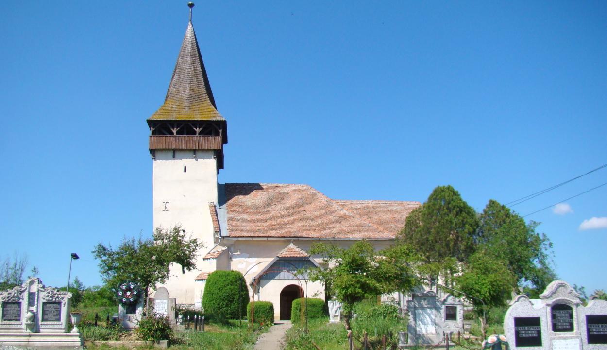 Kigyulladt a betlenszentmiklósi unitárius templom tornya