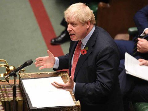 Megszavazta a londoni alsóház az előrehozott parlamenti választás kiírását