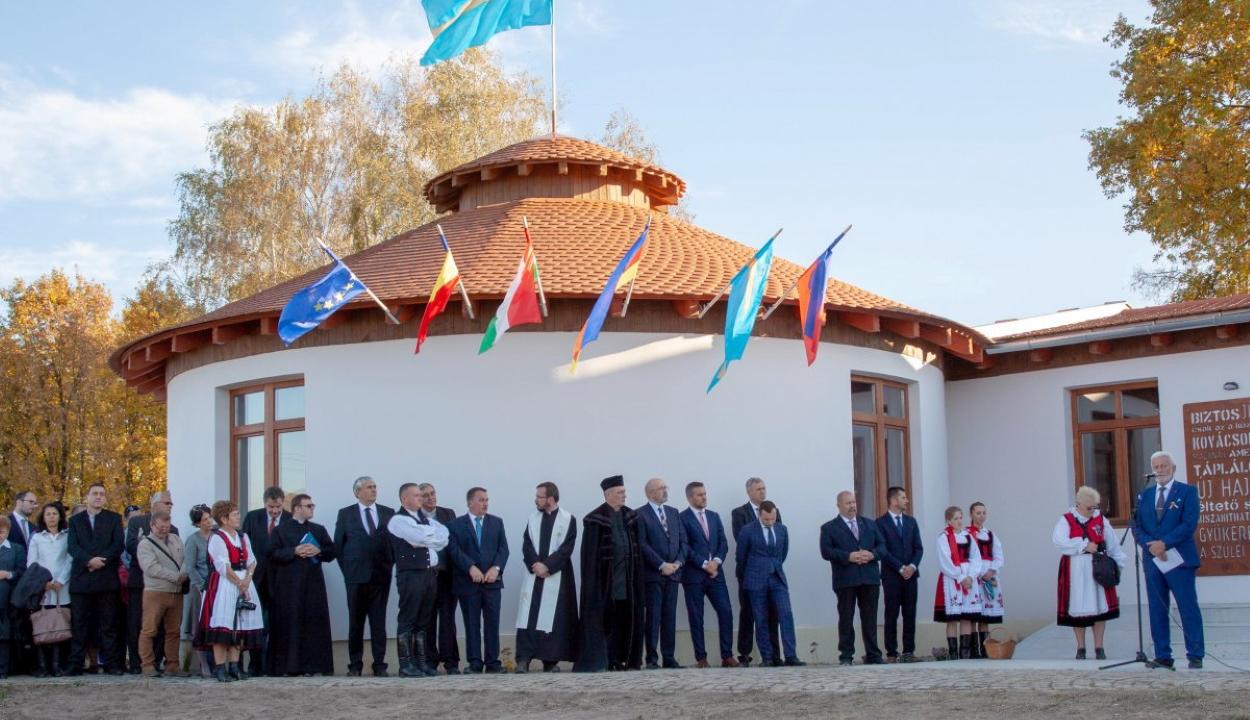 Emlékházavatással ünnepelték a magyar-székely összetartozás napját Agyagfalván