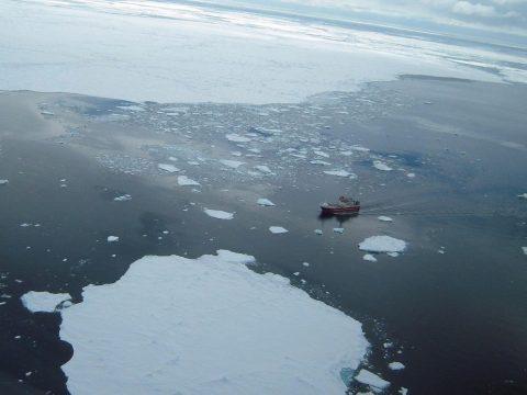 A klímaegyezmény betartása mellett is húsz centimétert emelkedhet a tengerek vízszintje