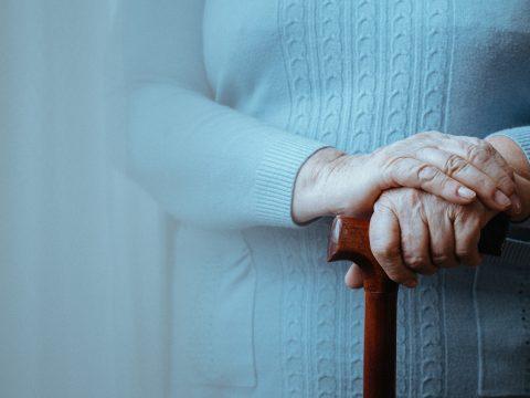 Szakértő: a csontritkulásos betegek töredéke kezelteti magát