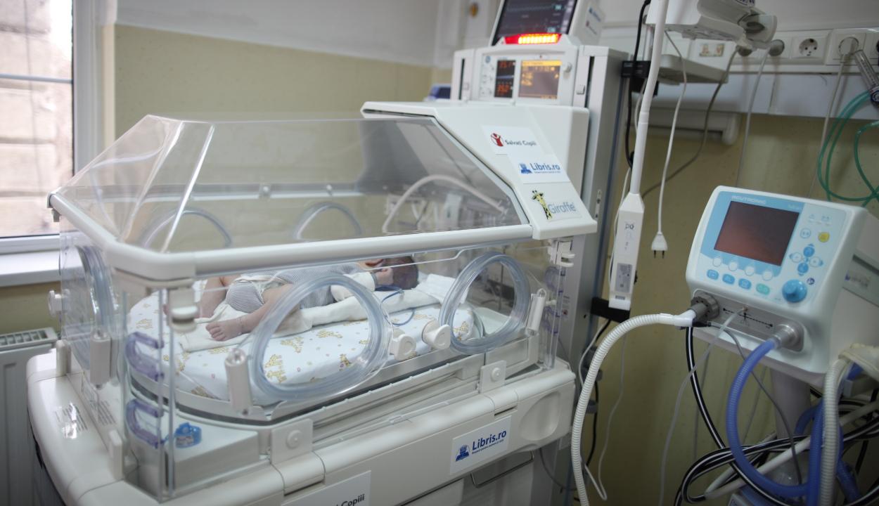 Pintea: befejeződött a beszerzési eljárás az újszülöttosztályokra szánt inkubátorokra
