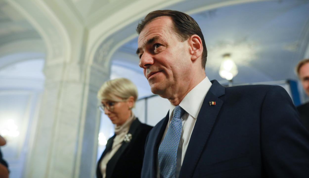 A parlament elé terjesztette Ludovic Orban leendő kabinetjének névsorát és a kormányprogramot