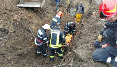 Maga alá temetett a föld két munkást egy építkezésen Brassóban, egyikük meghalt
