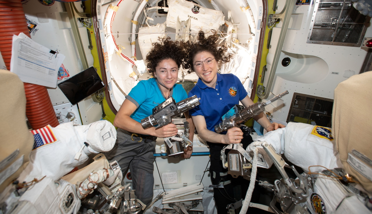 Lezajlott a NASA első, kizárólag női űrsétája