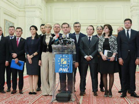 Az Orban-kormány beiktatásáról szavaz a parlament