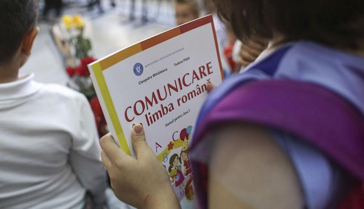 Megbírságolták az oktatási minisztériumot, mert nem javított a román nyelv oktatásának módszerén