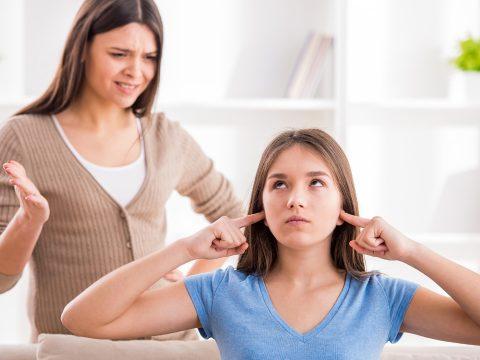 Eredményesebb a támogató hangnem a tinédzserekkel való kommunikációban