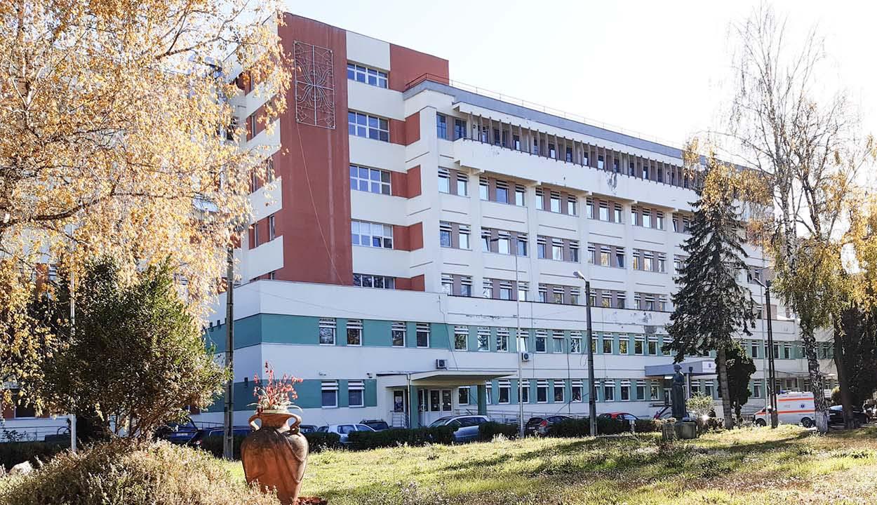 Koronavírussal diagnosztizálták a megyei kórház intenzív osztályának 20 alkalmazottját