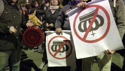 Fazékverős tüntetés a király ellen