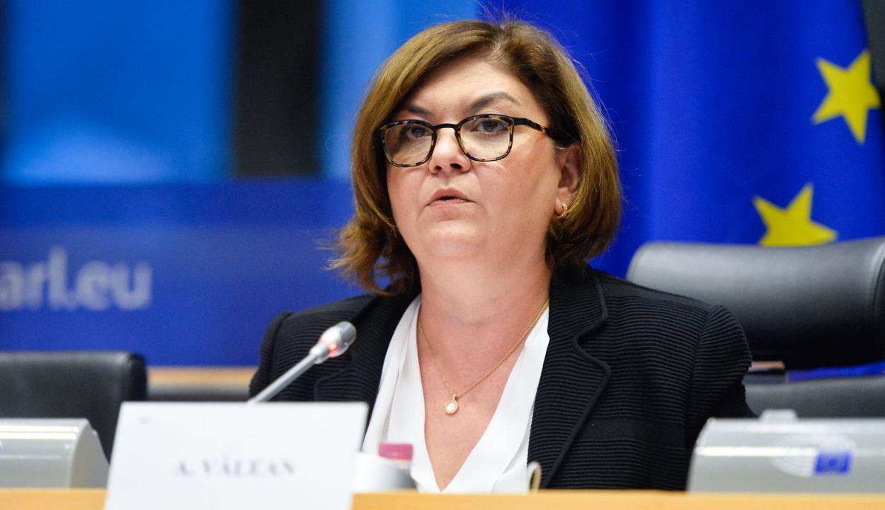 Adina Văleant választotta Ursula Von der Leyen, övé lehet a közlekedési tárca