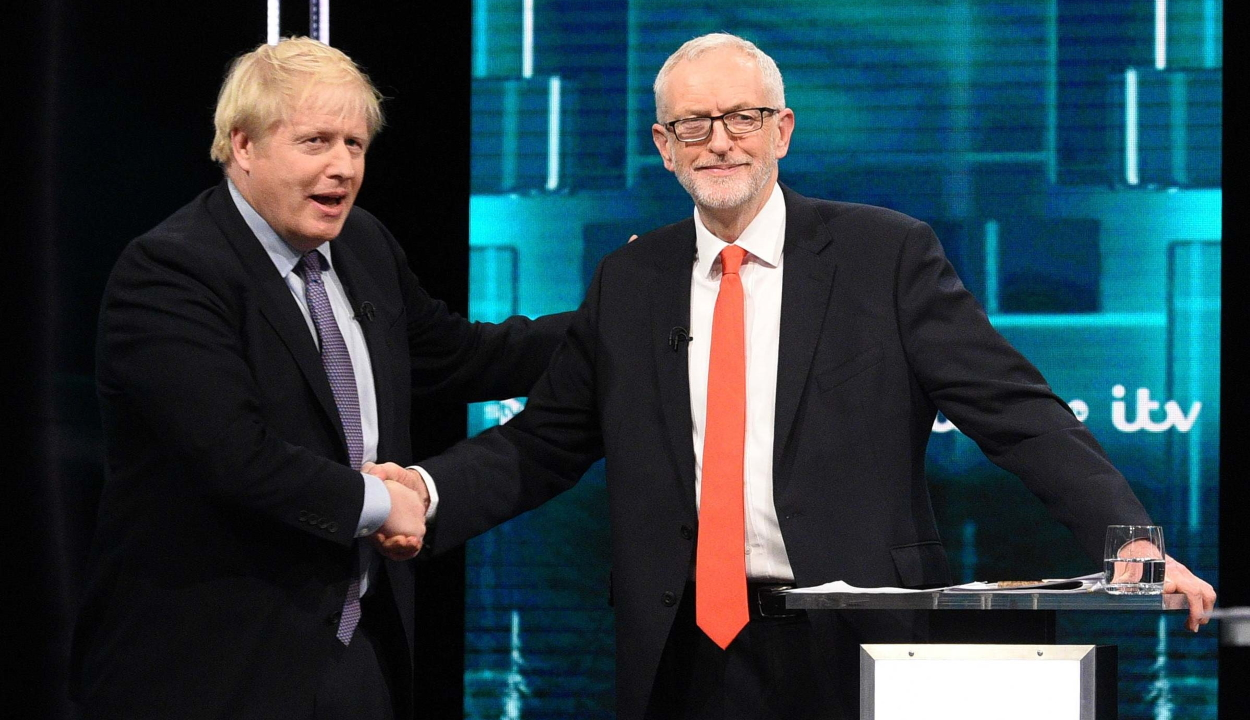 Brit választások: Johnson januári kilépést, Corbyn új népszavazást ígér
