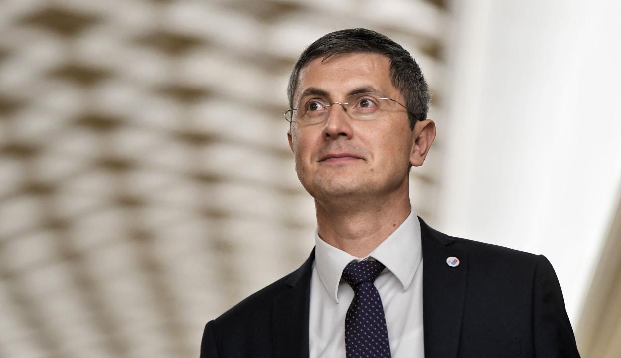 Barna: az ország politikai érettségét bizonyítaná, ha a második forduló PSD-mentes lenne