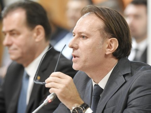 Megszavazta a szenátus a Florin Cîţu pénzügyminiszter ellen benyújtott egyszerű indítványt
