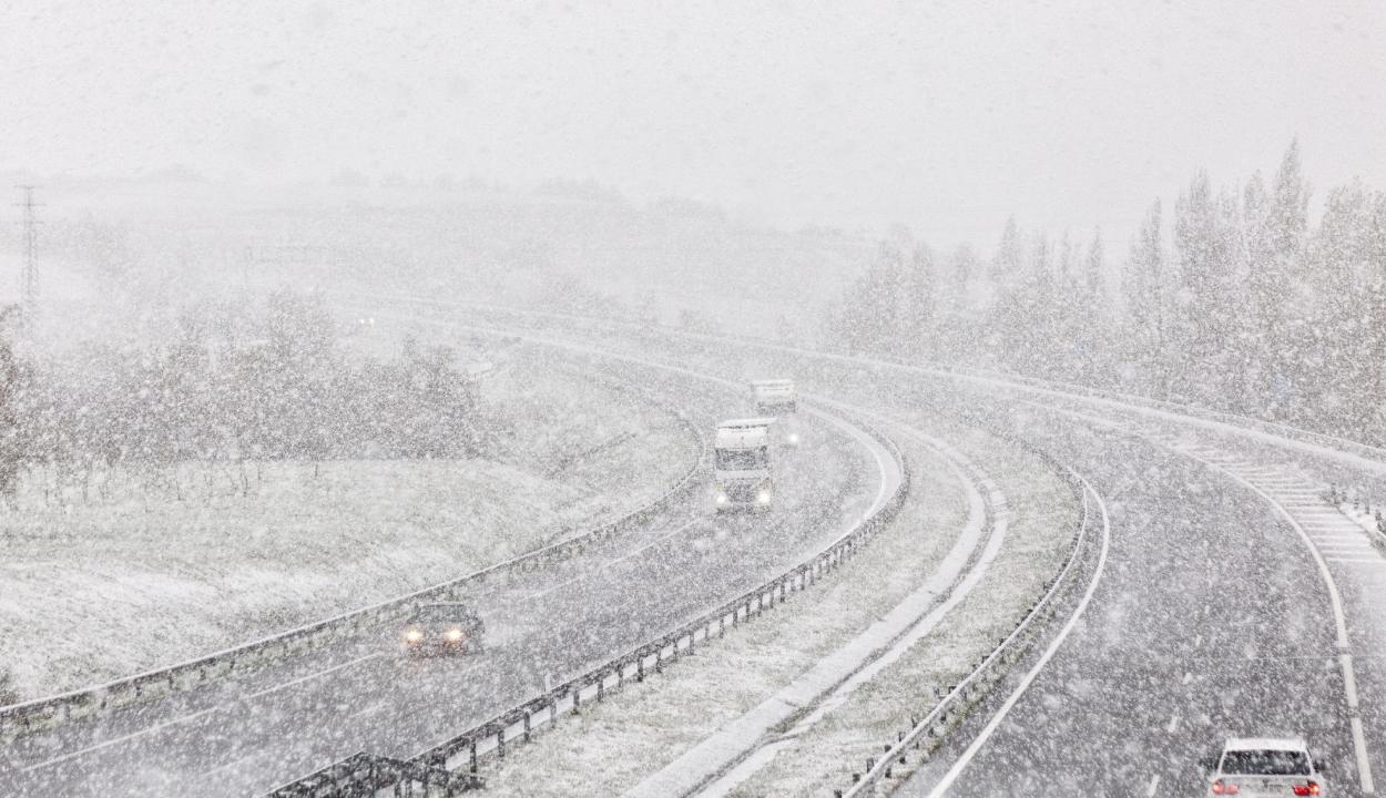 Kritikus a helyzet Ausztriában a rendkívüli időjárás miatt