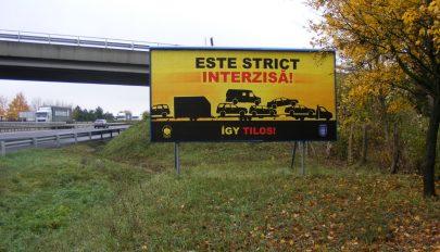 Románul figyelmezteti a horrortrélerek sofőrjeit a magyar rendőrség