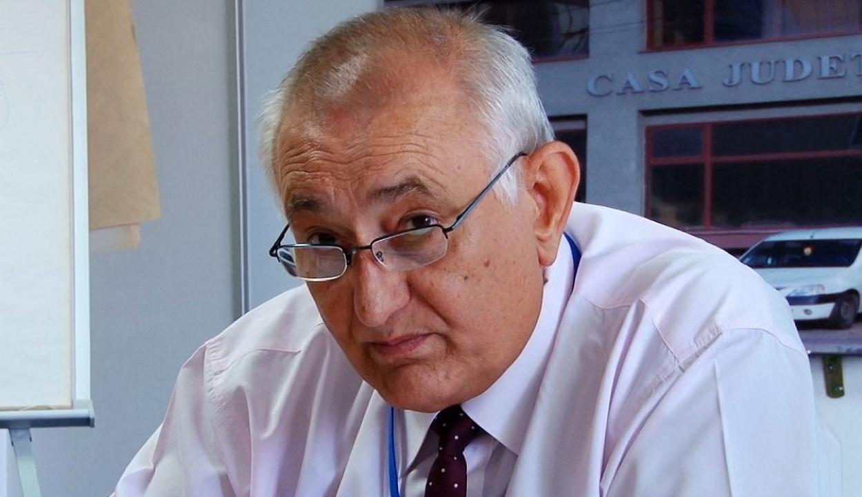 Menesztik az országos nyugdíjpénztár igazgatóját is