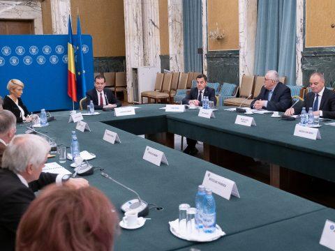 Orban a községek képviselőivel tanácskozott a költségvetés-kiegészítésről