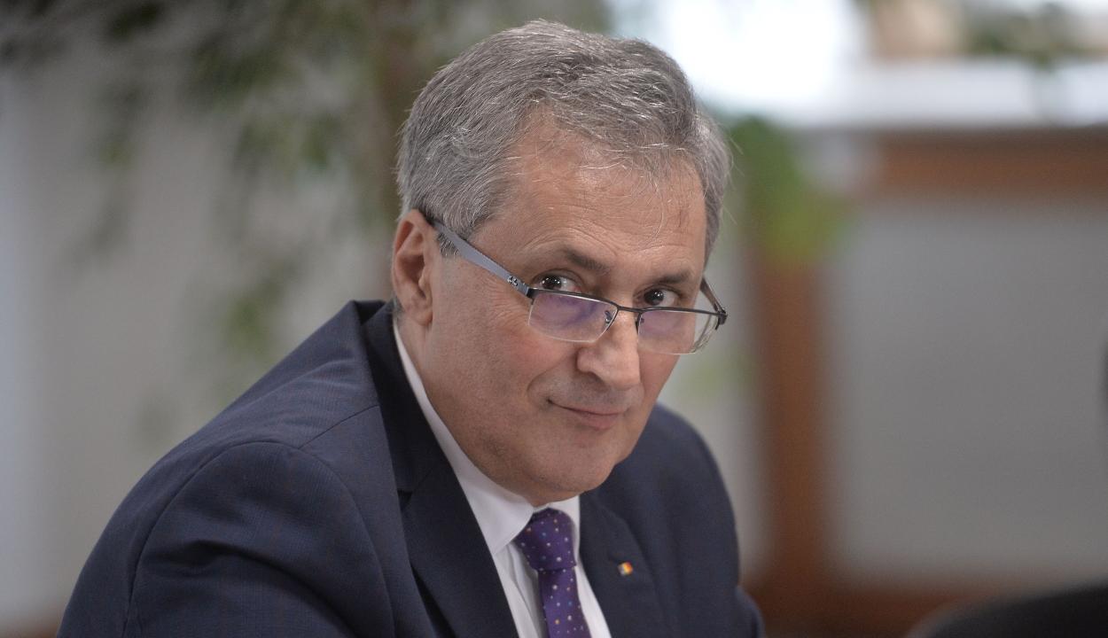 A belügyminiszter megkapta a jelentést a csendőrség augusztus 10-i kommunikációjáról